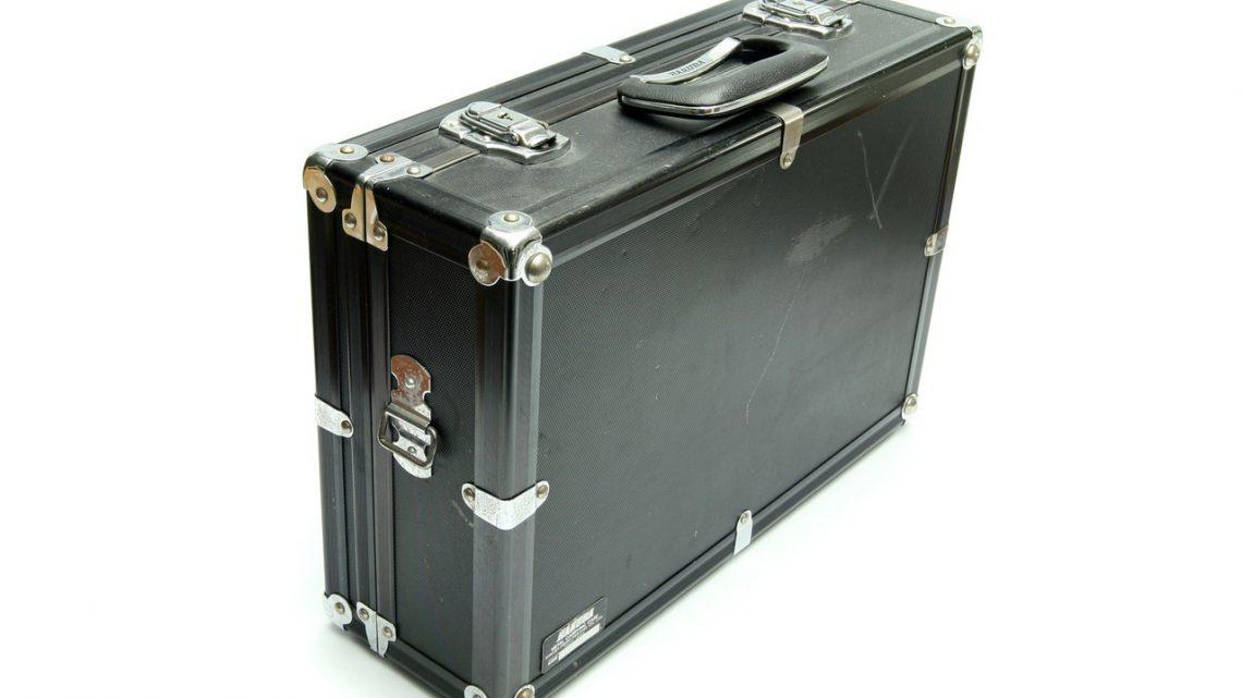 Materiał na walizkę